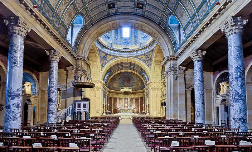 The nave of the Birmingham Oratory. Photo: Michael D Beckwith/Wikimedia Commons, CC BY 3.0